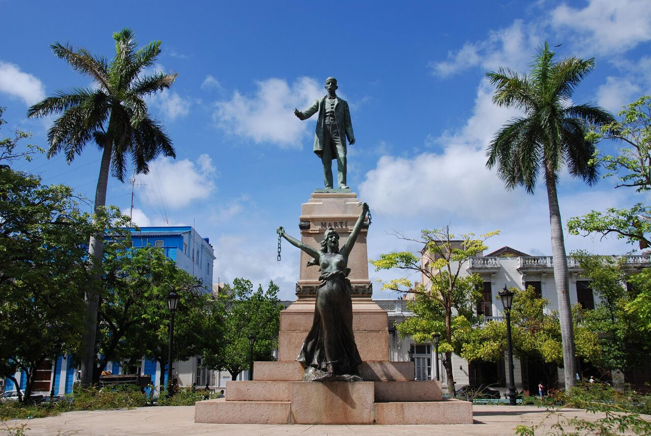 Cuban Statue two